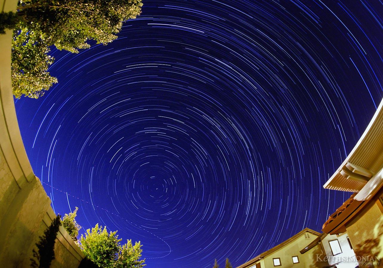 IMAGE: http://ksimonian.com/Blog/Images/Startrails-Backyard.jpg