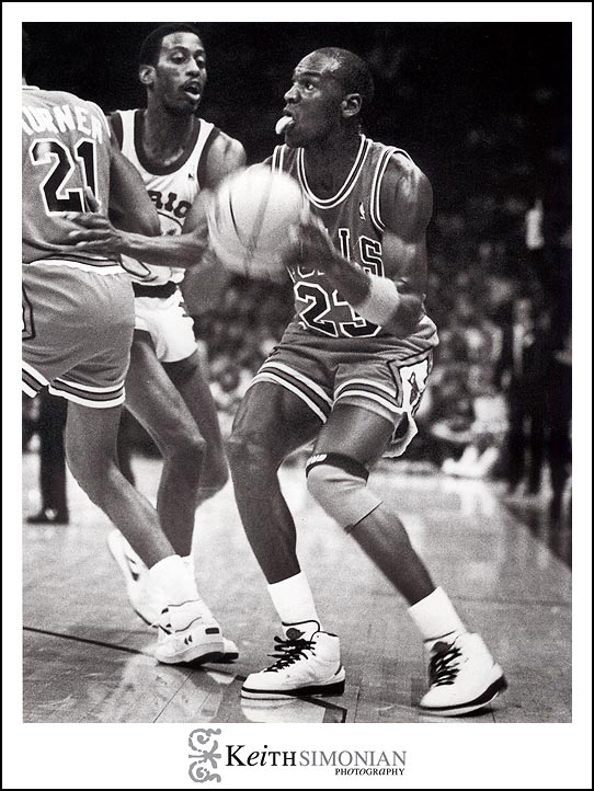 Michael Jordon of the Chicago Bulls vs Golden State Warriors Oakland Arena November 29th, 1986