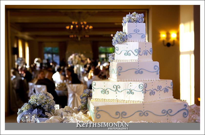 5 Level white and blue wedding cake