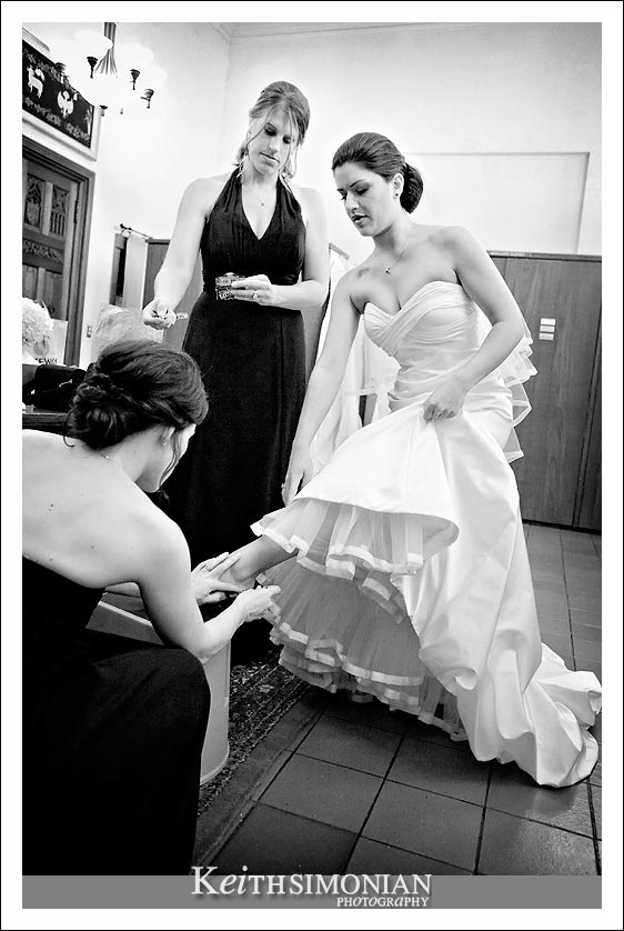 The bride getting ready at the Grace Cathdral Church