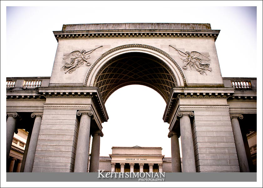 The entrance arch to the California Palace of the Legion of Honor
