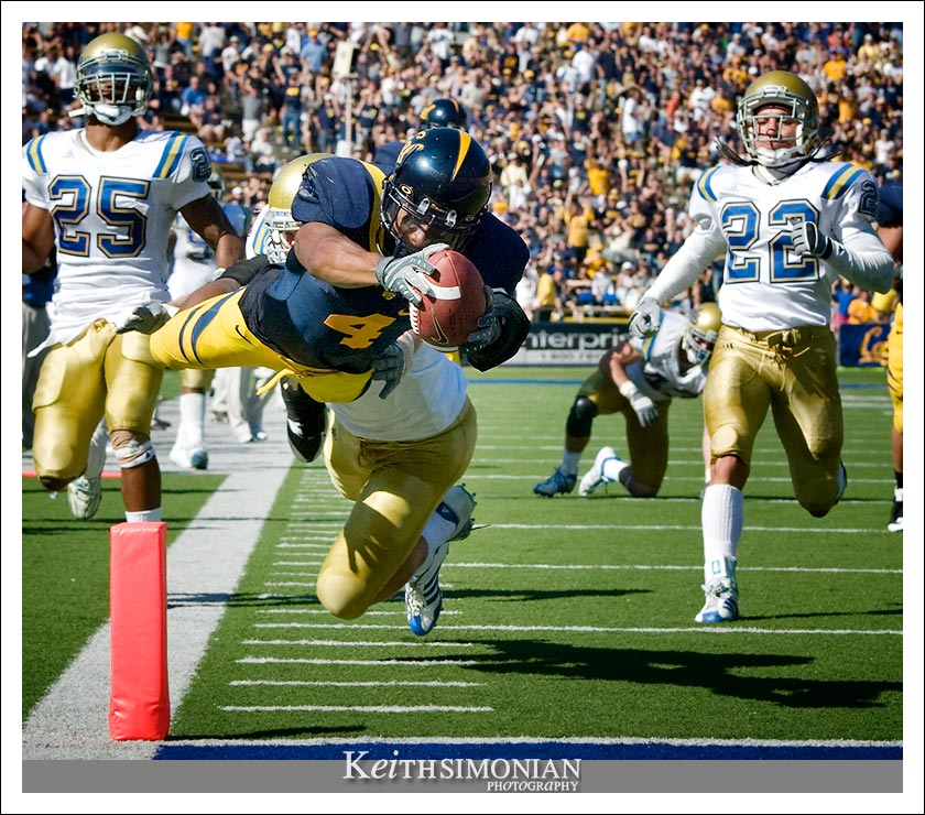 First round draft pick Jahvid Best of the California Golden Bears scores a touchdown against UCLA in 2008.