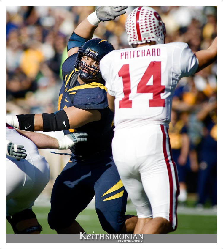 California Golden Bear Defensive Lineman Tyson Aluala - Tenth pick in the 2010 NFL draft - Cal vs Stanford