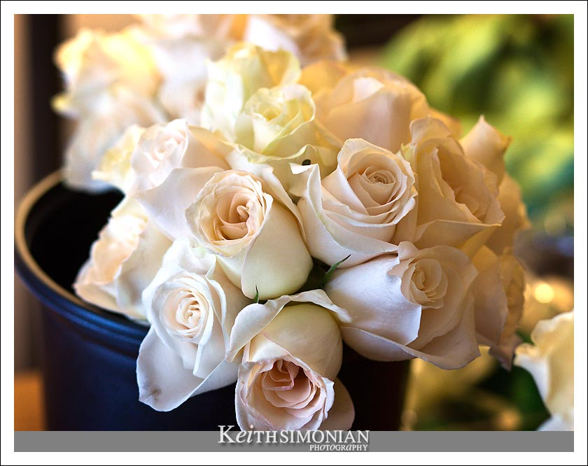 White and yellow roses for the wedding day