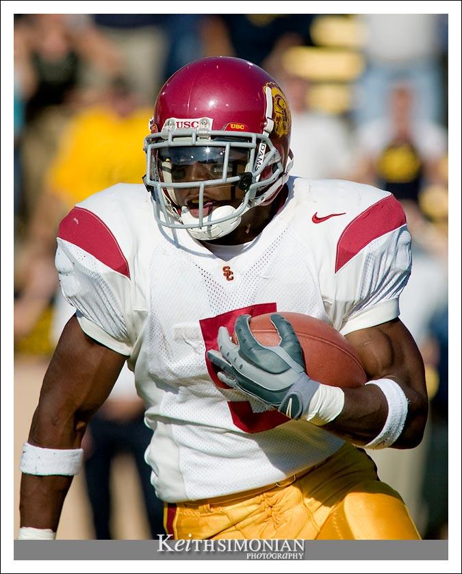 Reggie Bush runs the ball against Cal - CAL vs USC - September 27, 2003 Memorial Stadium - Berkeley, CA