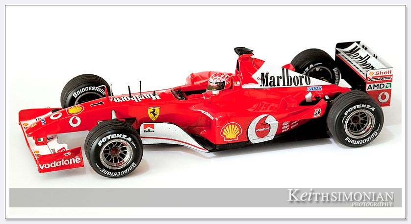 F2002 Shell Ferrari 1:18 scale model picture
