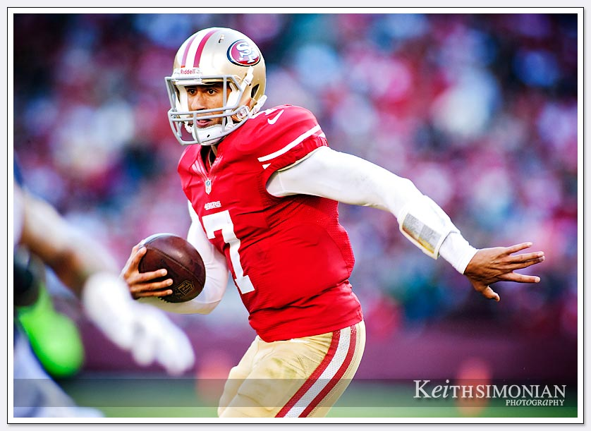 49ers quarterback runs the ball against the St Louis Rams