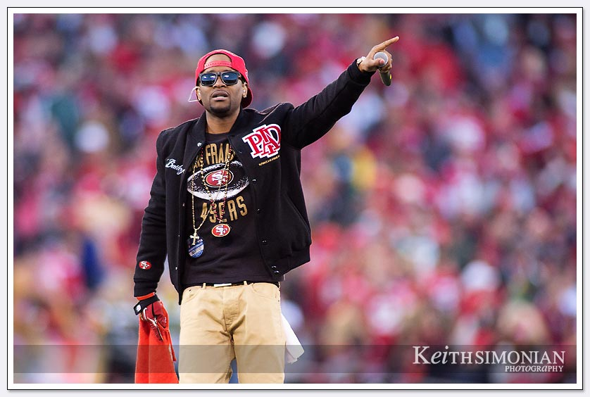 Bailey performs before the Divisional Playoff game at Candlestick park