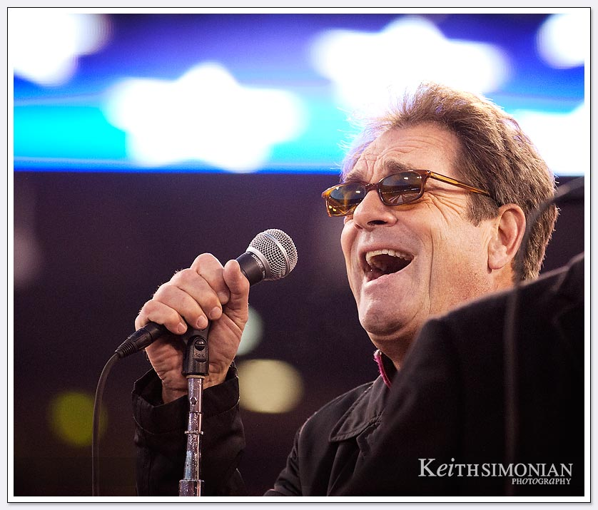 Huey Lewis sings at Candlestick Park
