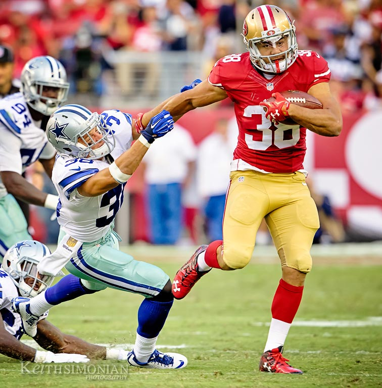Jarryd Hayne runs back a punt against the Dallas Cowboys during a 2015 NFL pre-season game.