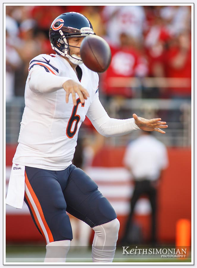 Bears quarterback jay Cutler throws a terrible pass during their game against the San Francisco 49ers at Levi's stadium