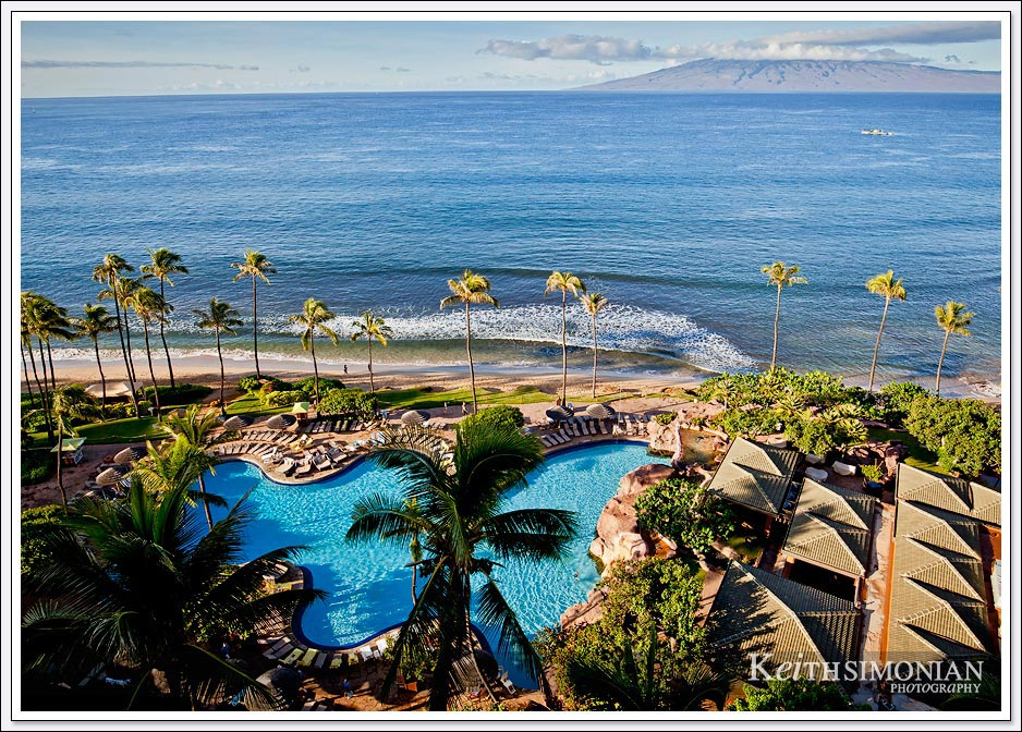 Swimming pool of the Hyatt Regency Maui resort hotel