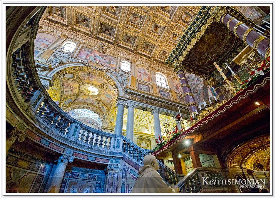 Amazing artwork on the ceiling of Basilica di Santa Maria Maggiore - Rome, Italy