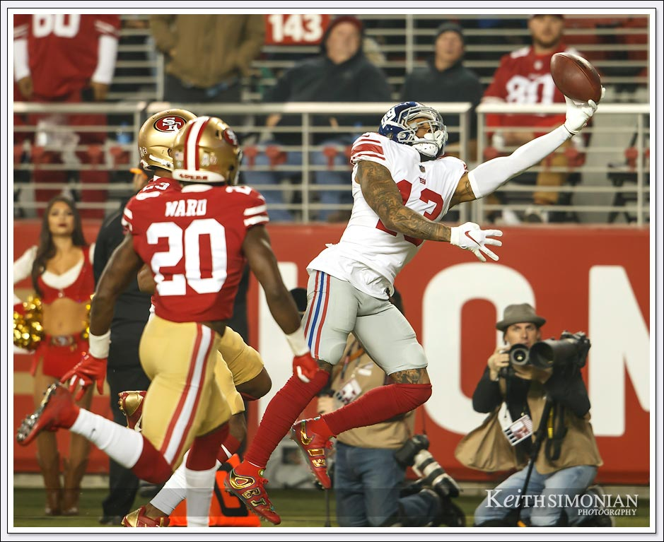 Odell Beckham Jr. of the New York Giants wasn't able to hold on for what would have been a touchdown reception - Santa Clara, CA