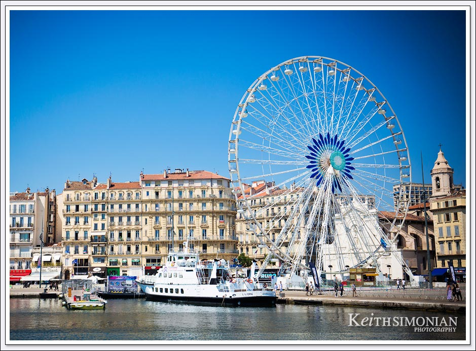 White Feris wheel ride - Marseille, France