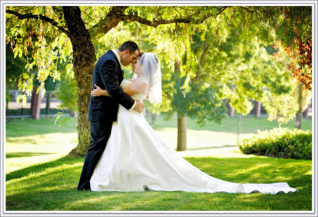 Enjoy your wedding ceremony outside beneath the Oak tree, and then have your reception inside banquet hall.
