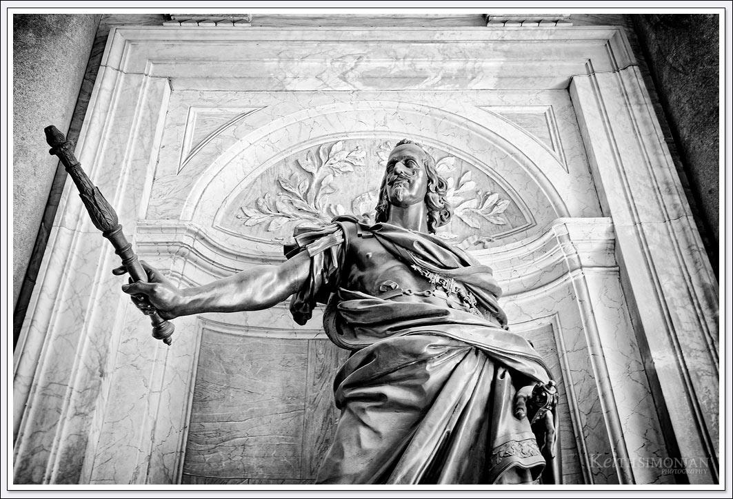 Statue of King Philip IV of Spain by Girolamo Lucenti in the portico of Santa Maria Maggiore basilica, Rome Italy.