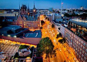 Twilight view of London St. Pancras Renaissance Hotel