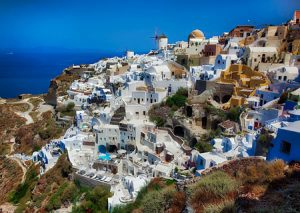 Most of the visitors to Santorini Greece do so by cruise ship. Thousand & thousands of visitors are shuttled to the island each day from the cruise ship.