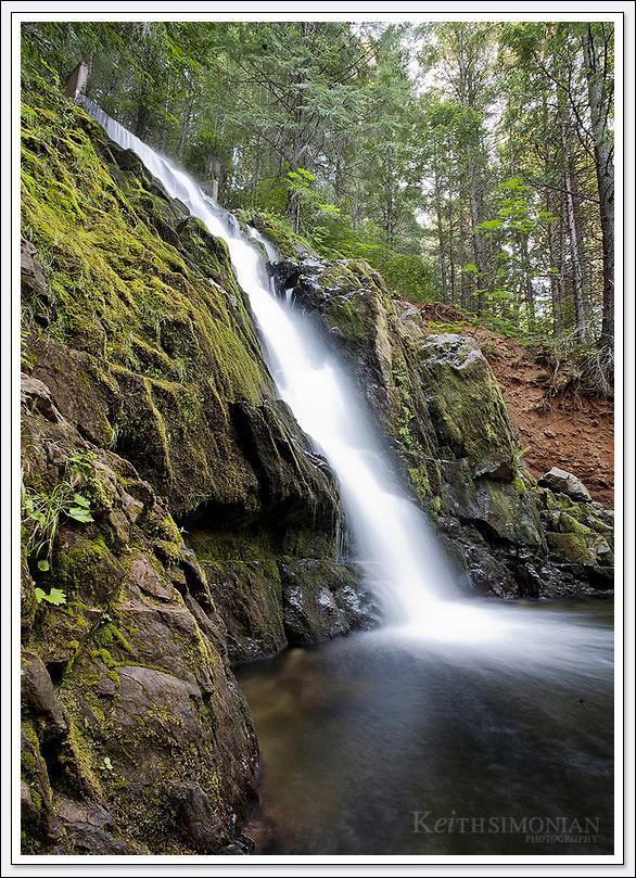 Sly Park Waterfall - Lake Jenkinson