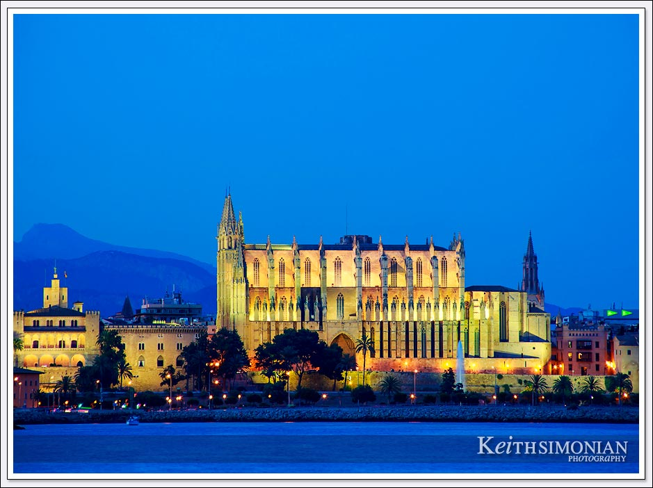 Night view of Palma Cathedral with outside lights illuminating the building - Palma de Mallorca, Spain